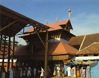 http://www.gosai.com/chaitanya/saranagati/html/nmj_articles/guruvayur/graphics/guruv_temple.jpg