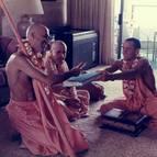 Gaura Purnima 1986, Hawai, Swami B.G Narasingha giving sannyasa initiation