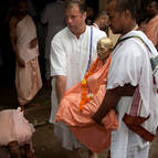 Devotees Moving the Deity of Srila Puri Maharaja to he New temple