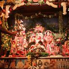 Rasikananda Prabhu Offering Arati