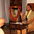 Giri Maharaja Giving Class