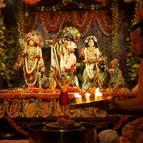 Offering Pista-pradipa Before the Abhiseka