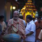 Guru Maharaja & the Devotees in Front of the Ratha