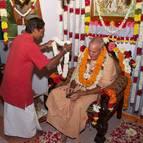 Kunja-vihari Offers a Garland