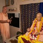Guru Maharaja Offers Arati to Srila Prabhupada
