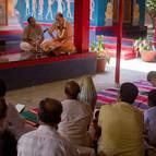 Sripada Visnu Maharaja Giving Class