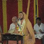 Giri Maharaja Giving Lecture