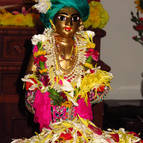 Mahaprabhu Accepting Puspanjali from His Devotees