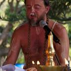 Giri Maharaja Chanting Vedic Mantras