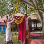 Balarama Prabhu Decorating the Vyasasana