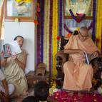 Giri Maharaja Explaining the Contents of the Book