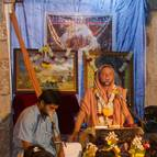 Giri Maharaja Giving Class from Gita