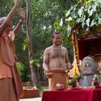 Giriraja Maharaja ki Jaya!