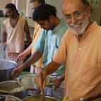 Visnu Maharaja making halava