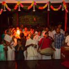 Devotees during the arati